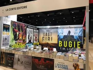 """La postazione de """"La Corte Editore"""" a """"Più libri più liberi""""  svoltasi a Roma a dicembre 2017."""